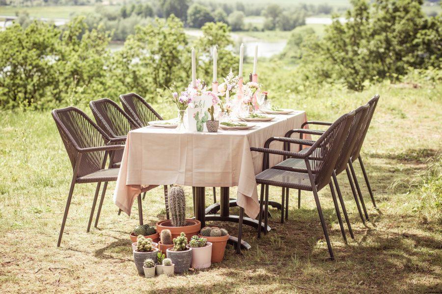 tafelstyling bruiloft roze