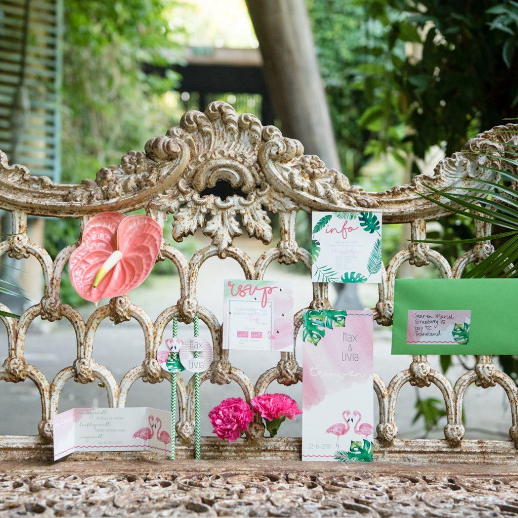 vintage trouwbankje tropisch thema