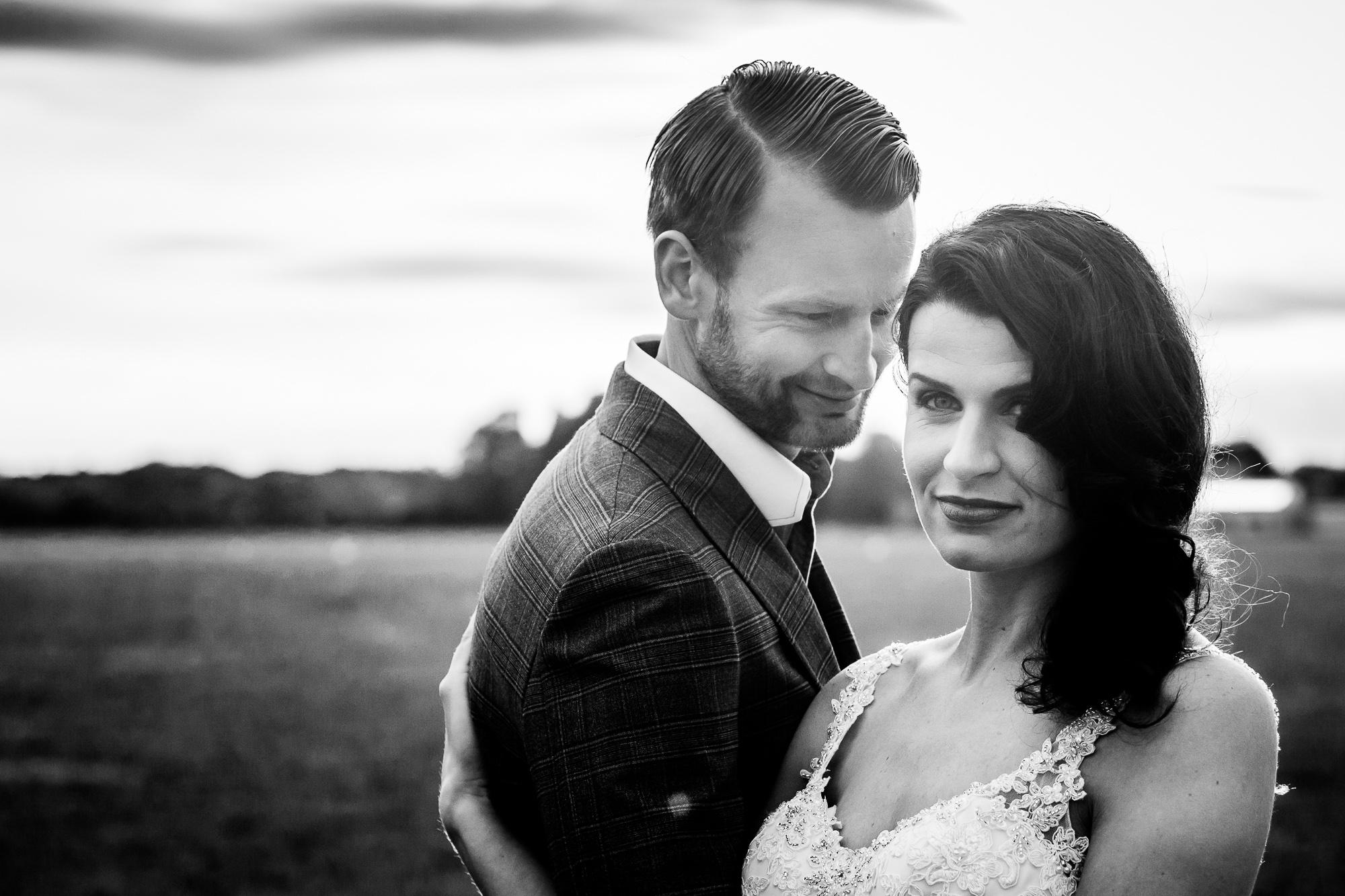 vintage bruidsjurk trouwpak