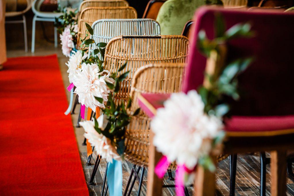 styling ceremonie stoelen gangpad