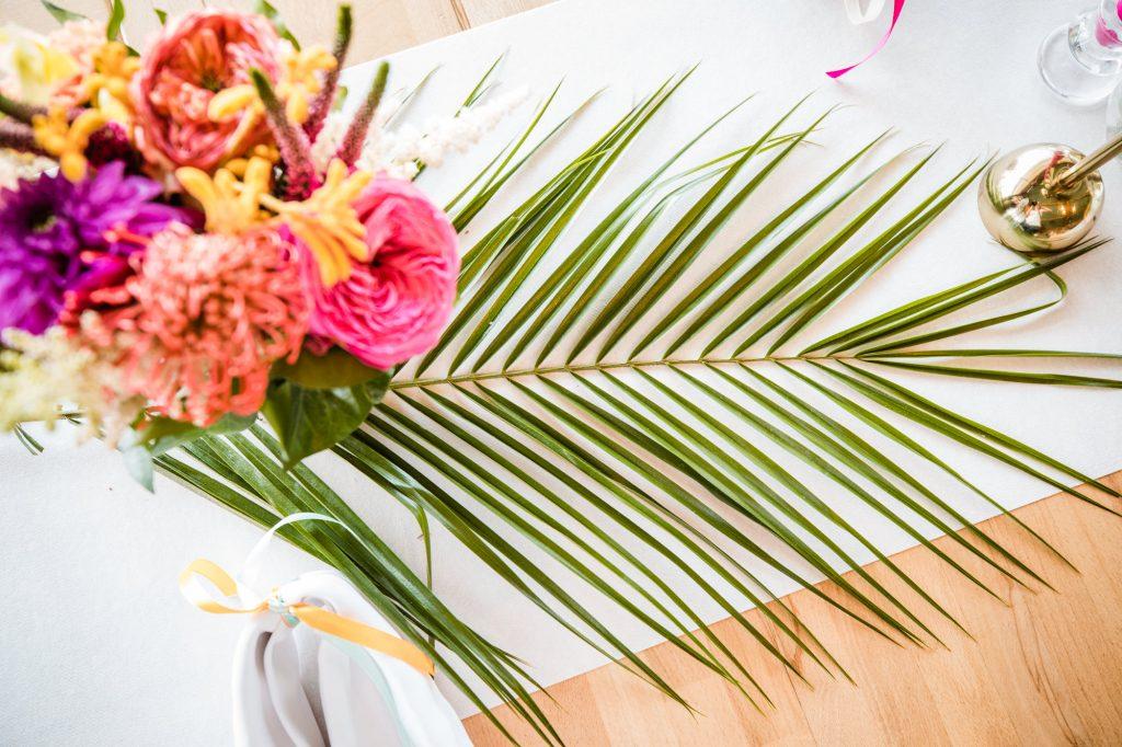 tafelstyling kleurrijk bruiloft